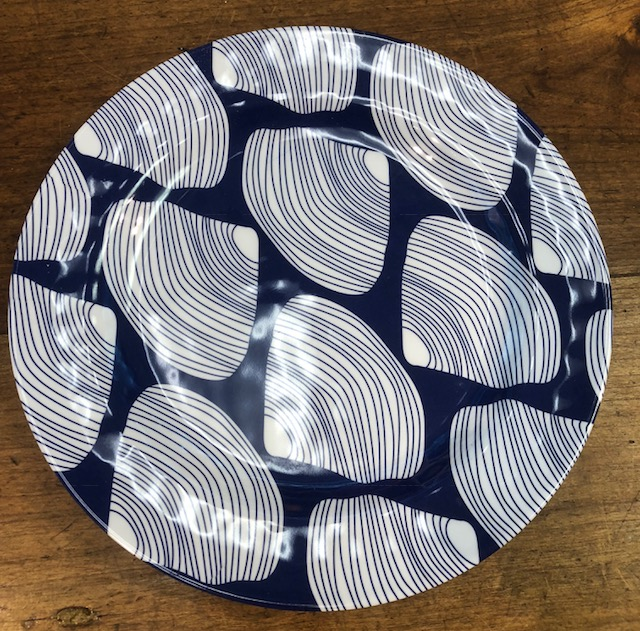 Salad Plate Bl/Wht Clamshell